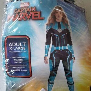 Captain Marvel- XL